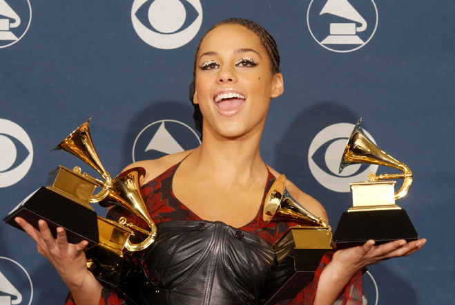 Armful-Of-Grammys-Alicia-Keys.jpg
