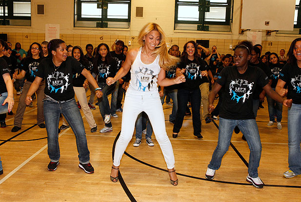 2011-beyonce-may-dancing-school.jpg