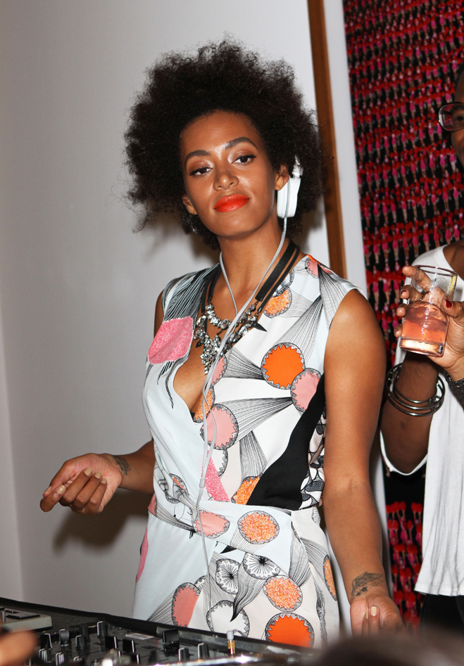 Fashions-Night-Out-Solange-Knowles.jpg