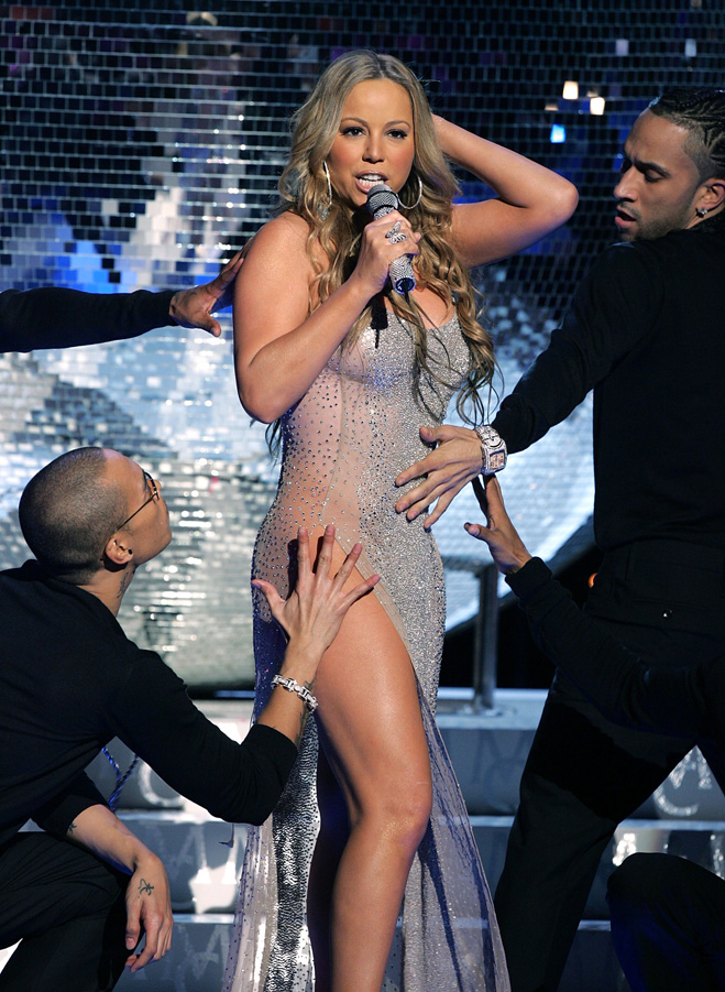 Mariah-Carey-Touching-Her-Hair-01.jpg