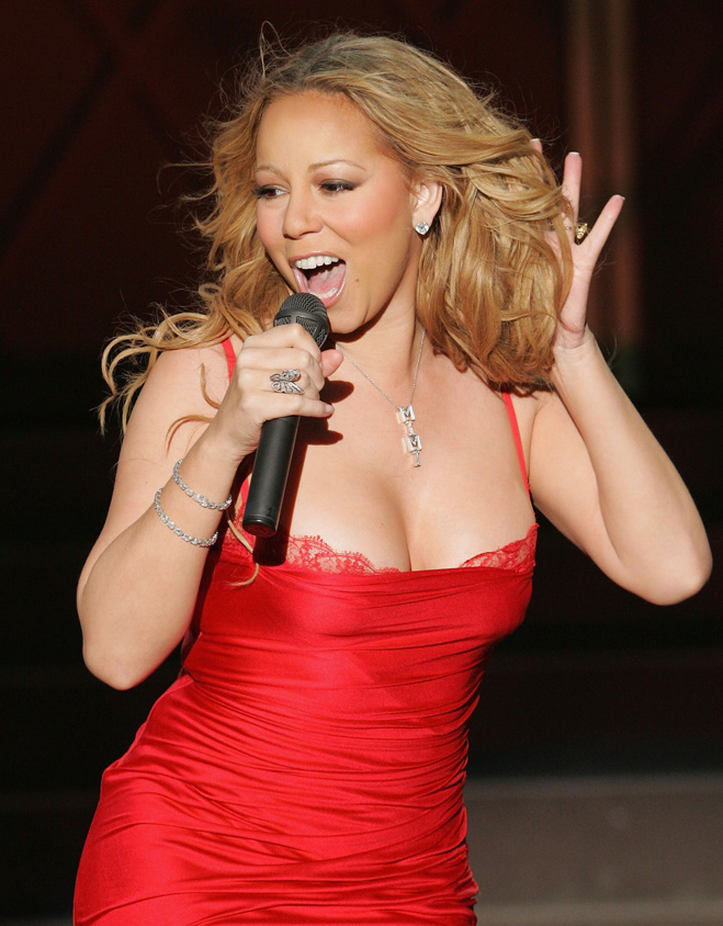 Mariah-Carey-Touching-Her-Hair-02.jpg