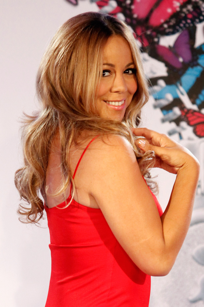Mariah-Carey-Touching-Her-Hair-06.jpg