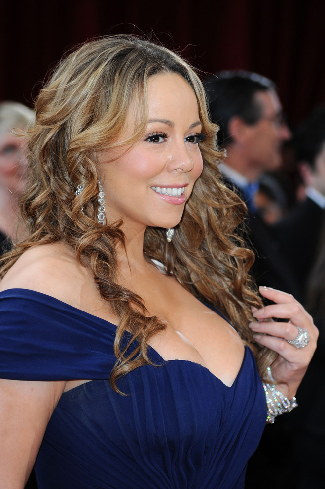 Mariah-Carey-Touching-Her-Hair-07.jpg
