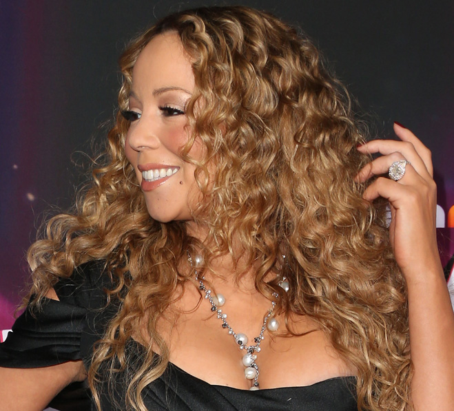 Mariah-Carey-Touching-Her-Hair-15.jpg
