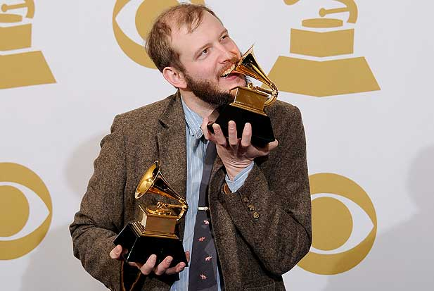 bon-iver-eating-grammy.jpg