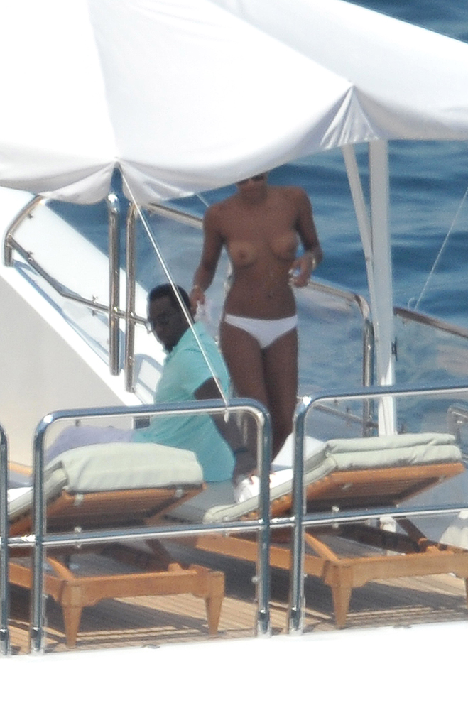 cassie-topless-with-diddy.jpg