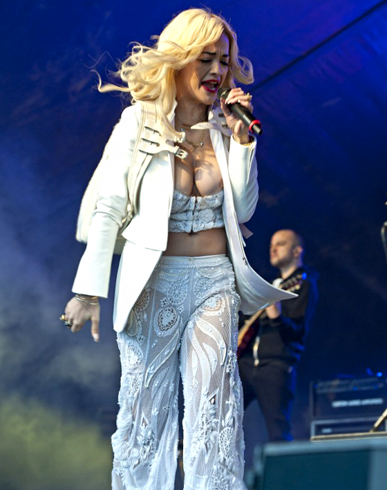rita-ora-flashes-boob-sticky-embed-1.png
