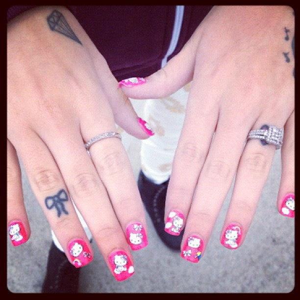 Cher-Lloyd-Nails.jpg