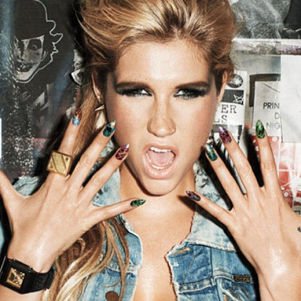 Kesha-Nails-2.jpg