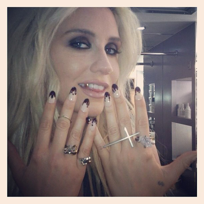 Kesha-Nails-3.jpg