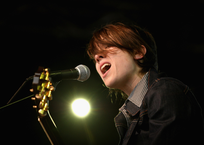 Tegan-And-Sara-Slideshow-Sara-06.jpg