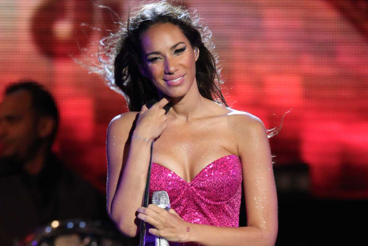 meet leona singles Former the x factor winner leona lewis scored a no  echo, while the  show's 2009 finalists debuted atop the singles chart with a charity cover of   black eyed peas' meet me halfway (interscope/universal), last week's.