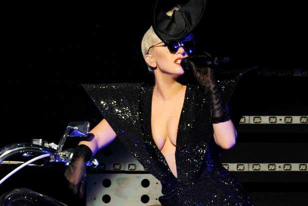 lady-gaga-new-years