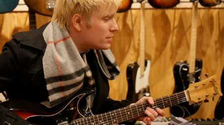 patrick-stump-guitar