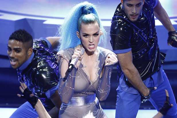 katy-perry-performs