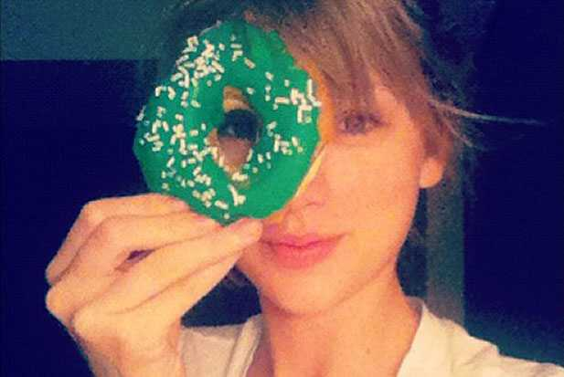 taylor-donut-holding