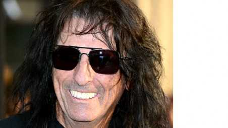Alice Cooper sings at Bonnaroo Holding Image
