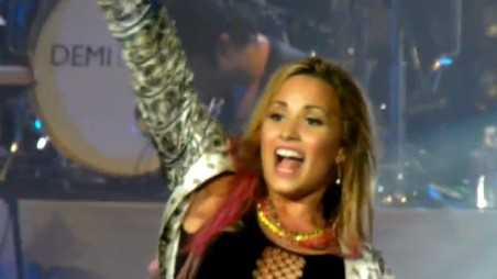 demi-lovato-turn-up-the-music
