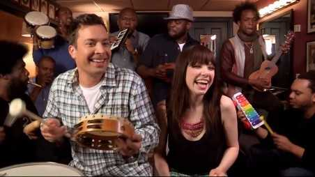 carly-rae-jepsen-jimmy-fallon-call-me-maybe-toys