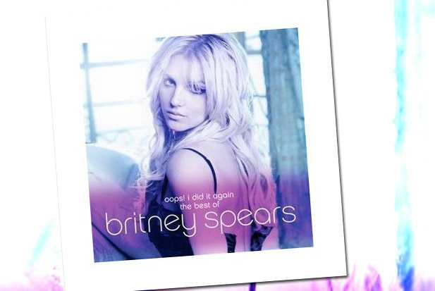 Best of Britney - holding