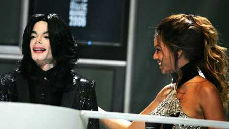 Beyonce and Michael Jackson - holding