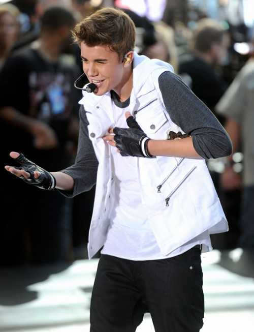 Justin Bieber on Today Show - Warmup Video - embed 1