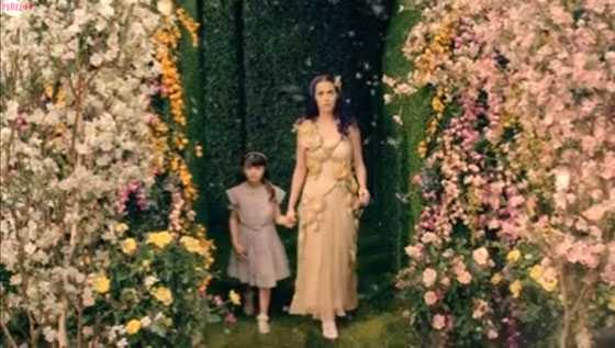 Katy Perry Wide Awak Video - embed 4