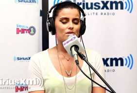 Nelly Furtado covers Feel So Close to you - holding