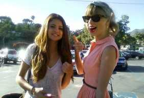 Sticky: Selena Gomez and Taylor Swift give thumbs up - holding