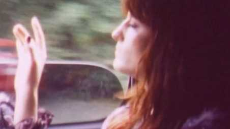 florence-and-machine-video-holding3