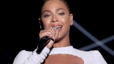 "Beyonce Sings ""I Was Here"" for World Humanitarian Day"