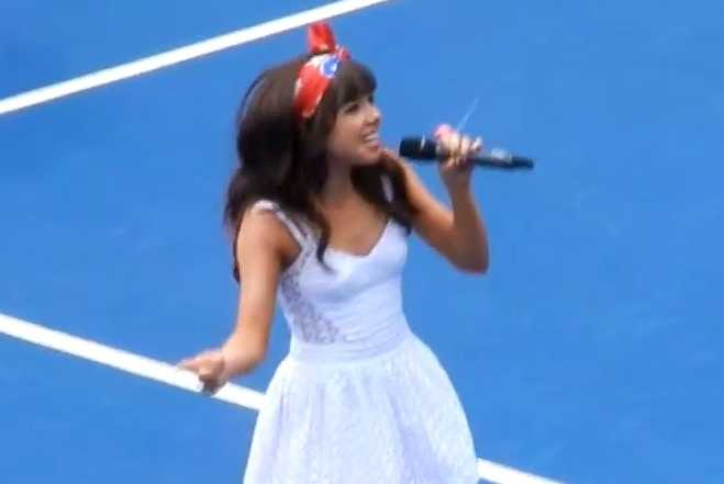 "Carly Rae Jepsen Performs ""Call Me Maybe"" at Arthur Ashe Kids' Day"