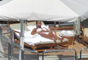 P Diddy And Cassie Topless In Capri