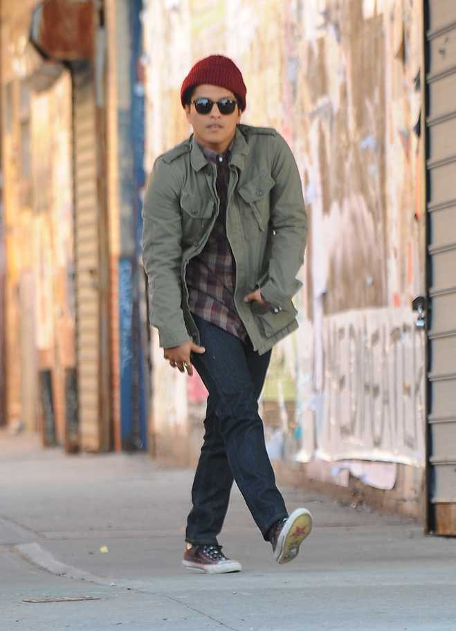 Bruno Mars Locked Out of Heaven Between The Lines
