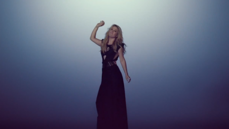 Kelly Clarkson Catch My Breath Music Video Feature