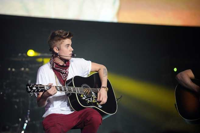 Justin Bieber Plans Acoustic Album and TV Show