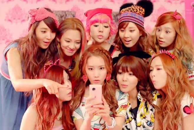 Girls' Generation Dancing Queen MV