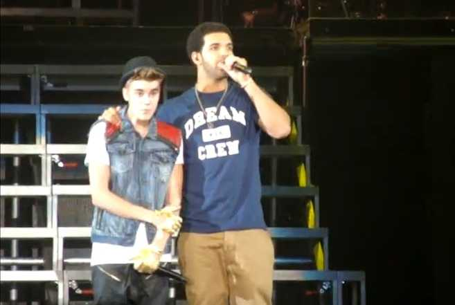 Justin Bieber and Drake Perform The Motto at Toronto's SkyDome