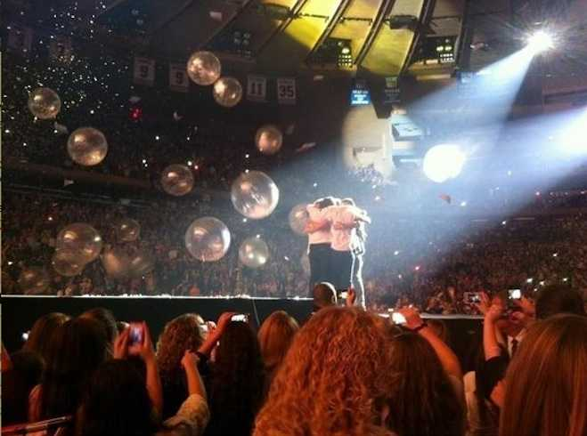 One Direction Hug at Madison Square Garden
