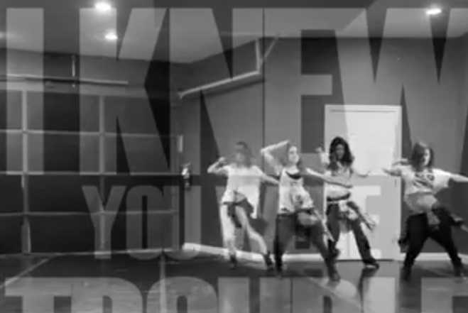 "Selena Gomez Dances to ""I Knew You Were Trouble"""