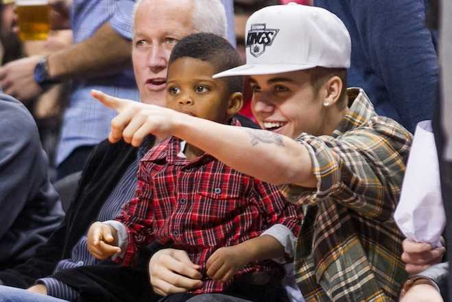 Justin Bieber Babysits Chris Paul Jr. LA Clippers Game
