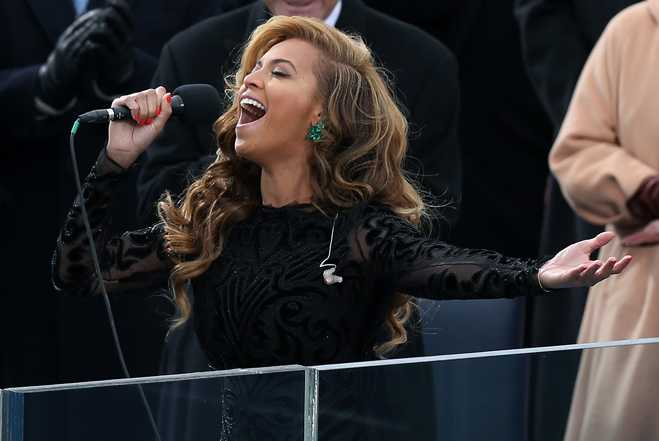 http://cdn.popdust.com/wp-content/uploads/2013/01/Beyonce-Lip-Sync-National-Anthem-Feature.jpg