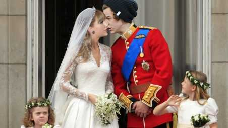 Harry Styles Taylor Swift New Year Kiss