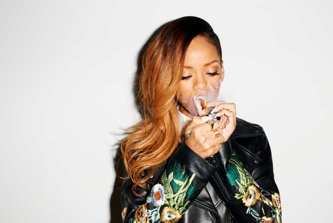 Rihanna Smoking 25 Blunts