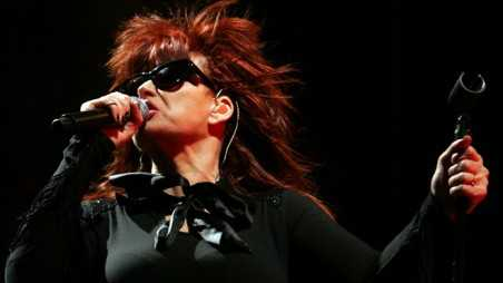 SYDNEY, AUSTRALIA - DECEMBER 08:  Chrissy Amphlett of the band the Divinyls performs on stage at Homebake, an annual Australian music festival held in the Domain on December 8, 2007 in Sydney, Australia.The Australian rock queen has recently revealed she suffers from the brain and spinal cord disease multiple sclerosis.  (Photo by Lisa Maree Williams/Getty Images)