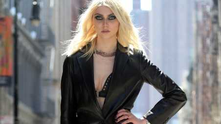 Taylor Momsen dresses in a black leather outfit while shooting a music video with Japanese singer Tomomi Itano in New York City. Pictured: Taylor Momsen Ref: SPL523963  090413 Picture by: Splash News Splash News and Pictures Los Angeles:310-821-2666 New York:212-619-2666 London:870-934-2666 photodesk@splashnews.com