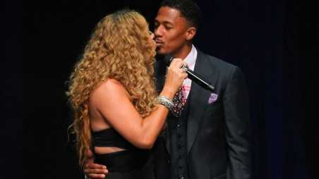 BEVERLY HILLS, CA - SEPTEMBER 07:  Mariah Carey (L) and Nick Cannon kiss at the 12th Annual BMI Urban Awards at Saban Theatre on September 7, 2012 in Beverly Hills, California.  (Photo by Noel Vasquez/Getty Images)