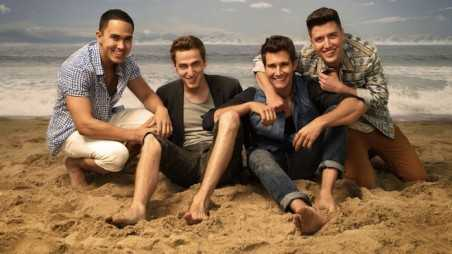 Nickelodeon-Stars-And-Cast-Of-Big-Time-Rush-Season-4-On-Beach-BTR-Boy-Band-Boyband-Music-Characters-Rushers-Nick