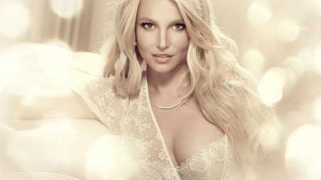 britney spears lingerie feature