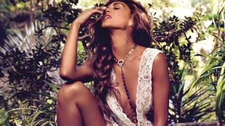 nicole scherzinger on the rocks feature